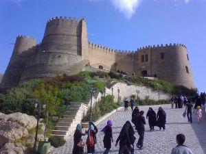 800px-Falak-ol-Aflak_Castle_07