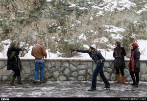 First-Snow-in-Tehran-11