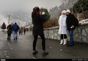 First-Snow-in-Tehran-15