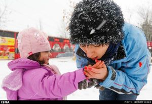 First-Snow-in-Tehran-20