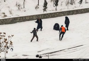 First-Snow-in-Tehran-31