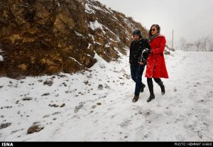 First-Snow-in-Tehran-32