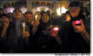 Tehran, Iran - 2001 - Candlelit vigil for 911 victims 14 - msnbc.com - photo by H. Fahimi (AFP)