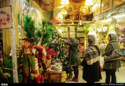 Christians-prepare-for-new-year-Tehran-1-HR