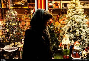 Christians-prepare-for-new-year-Tehran-10-HR