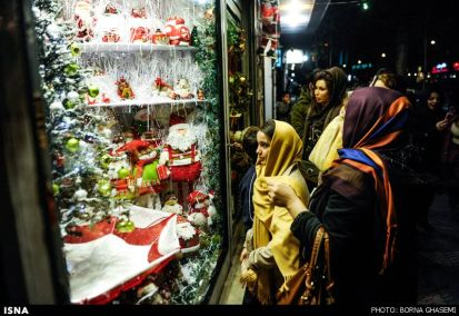 Christians-prepare-for-new-year-Tehran-21-HR