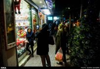 Christians-prepare-for-new-year-Tehran-3-HR