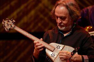 Iranian-tar-musician-Majid-Derakhshani-HR