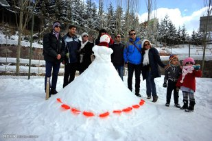 Iran Dizin Ressort in Alborz Mountains Winter Snow Snowman 02