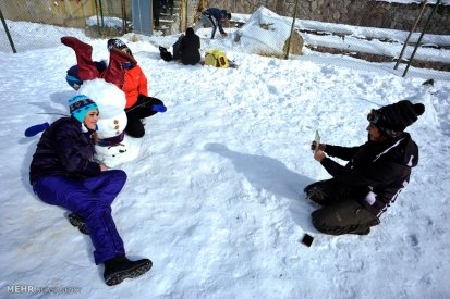 Iran Dizin Ressort in Alborz Mountains Winter Snow Snowman 04