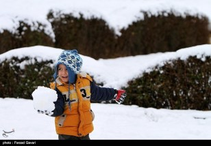 Snow Kerman Iran Snowballs 03