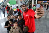 Basketball William Jones Cup 2015 Iran Champion - Haddadi selfie with fans at airport on return