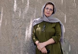 Ganji, Pariyoush - Iranian Artist - 00 - Foto by Bahareh Asadi for honaronline.ir