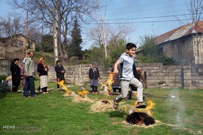 Chaharshanbe Suri - Ancient Fire Festival - Celebration in Iran, 2016 (Photo: Amir Ali Razzaghi / Mehr News Agency)