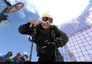 Snowboard competition in Dizin Ski Resort, Iran - April, 2016 (Photo credit: IRNA)