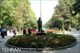 Park-e Shahr (City Park) in spring - Photo: Hamed Farajollah / Tehran Picture Agency