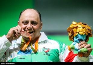 rio-2016-powerlifting-mens-107kg-bronze-medalist-ali-sadeghzadeh-from-iran-paralympic-games-in-rio-de-janeiro-brazil-foto-foad-ashtari-tasnim