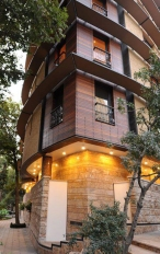Niavaran Residential Complex by Iranian architect Mohammad-Reza Nikbakht (Photo designrulz.com)